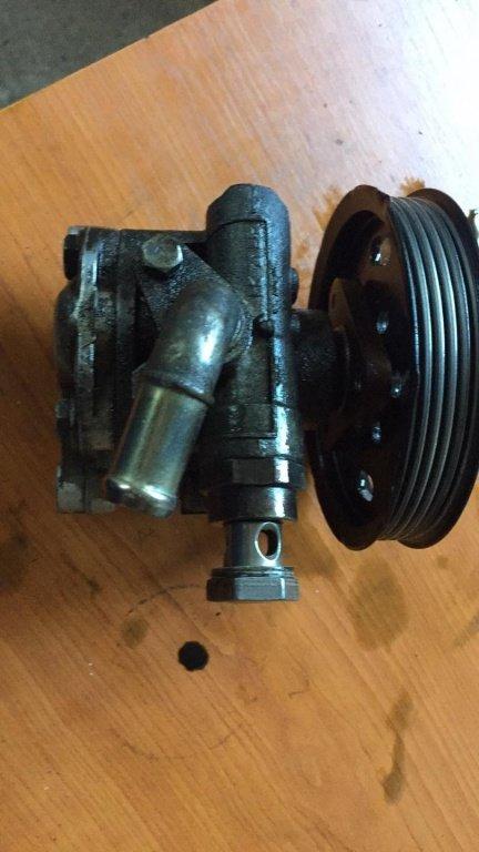 Pompa servodirectie VW Passat B5 Cod 8D0145177Q