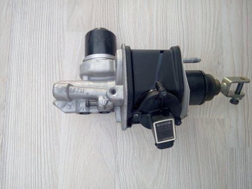 Pompa servofrana mercedes e class w211