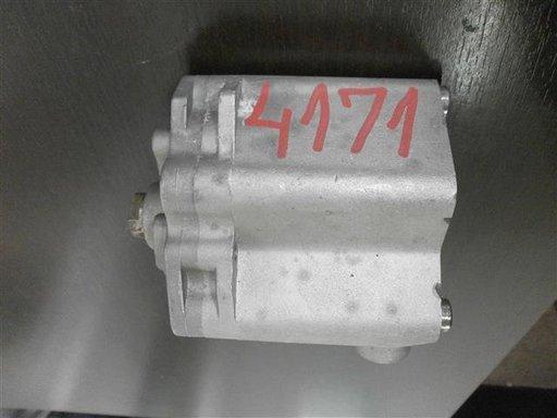 Pompa ulei Mazda an 2002-2006 cod L31014100