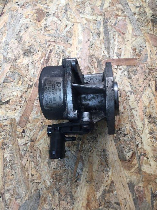 Pompa vacuum Renault Trafic 1.9 F9Q 2001 - 2006