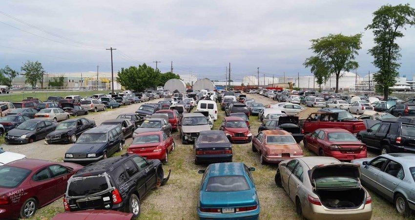 Piese noi sau de la dezmembrari: cand sa apelam la dezmembrarile auto?