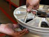 Cum functioneaza senzorii de presiune roti auto?
