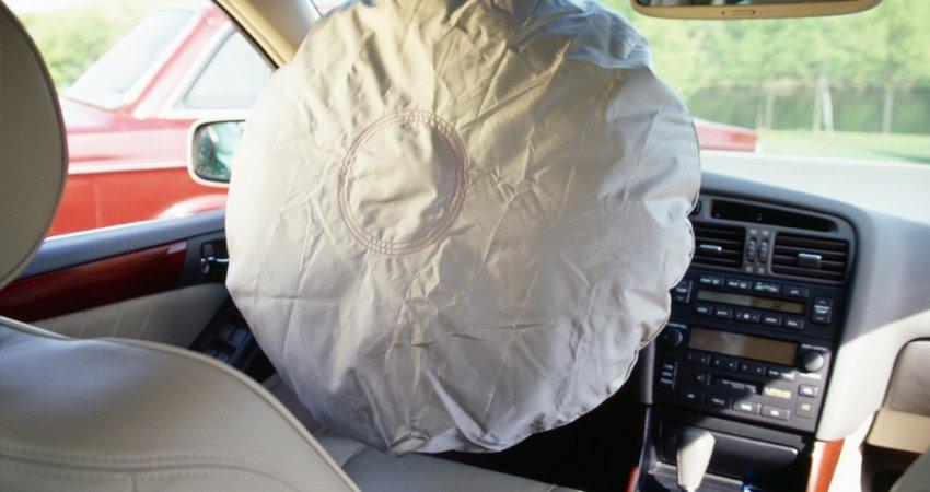 Airbagul auto: se poate refolosi de la alta masina? Are termen de valabilitate?