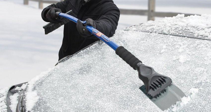 Ponturi inainte de iarna: cum sa folosesti corect racleta de parbriz