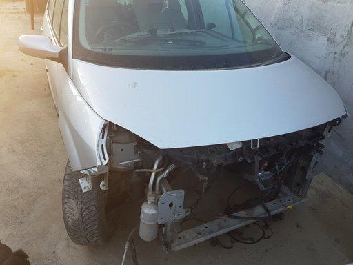 Proiectoare Renault Scenic 2005 Hatchback 1.5DCI