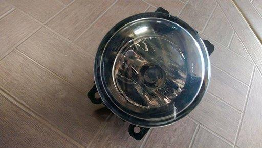 Proiector Mazda MPV