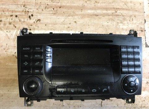 Radio CD cu navigatie Mercedes C class w203 2006