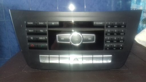 Radio CD player navigatie Mercedes C Class, cod A1729021303 / A2049011803 / A2049009807