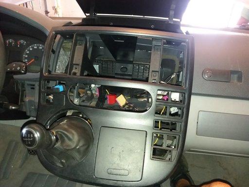 Rama navigatie vw t5 multivan an 2006
