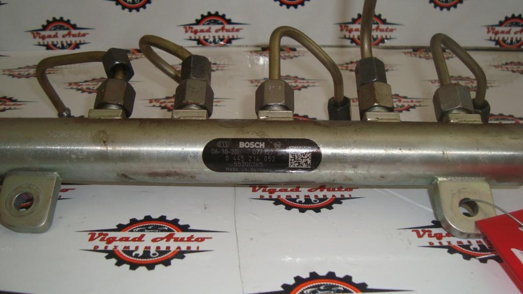 Rampa injectie Fiat Doblo 1.9 JTD din 2006 cod Bosch 0445214052