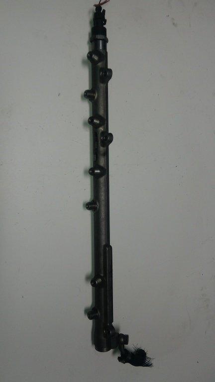 Rampa injectoare BMW X5 3.0 D '2007, Bosch 0445216015