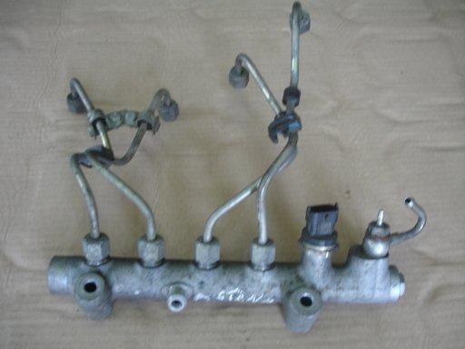 Rampa injectoare cu senzor presiune opel astra h 1.7 74 kw an 2005-2009