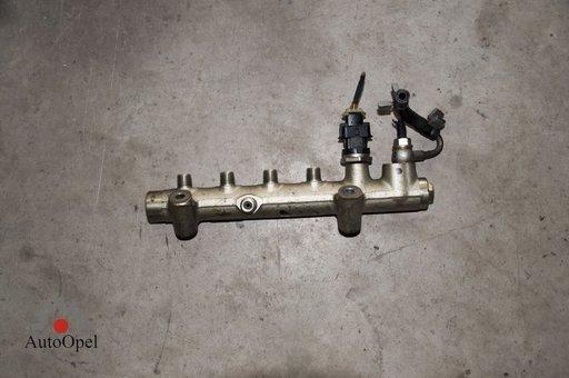 Rampa Injectoare Opel Astra H 1.7