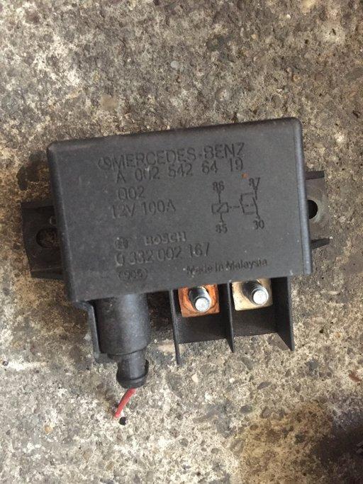 Releu baterie suplimentara Mercedes W211 2.2 cdi din 2005 A0025426419