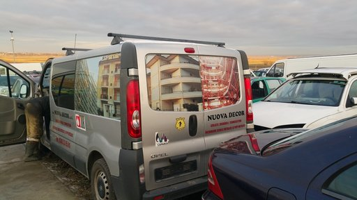 Renault trafic an 2008 diesel 2.0 M9R