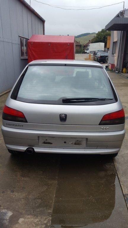 Semnalizator spate PEUGEOT 306, modelul masina 1997- 2002 Oradea