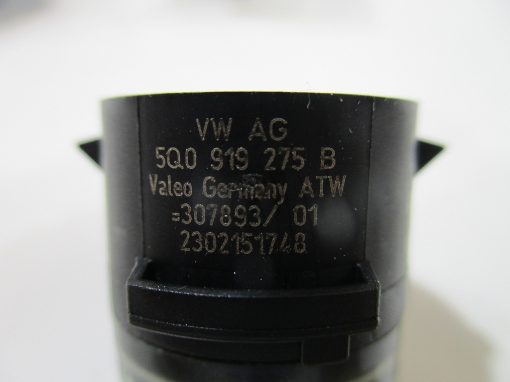 Senzori parcare Vw Amarok / Golf 7 / Jetta / Passat B8 / Scirocco / Audi A3 / A4 / Q7 an 2010-2018 cod 5Q0919275B