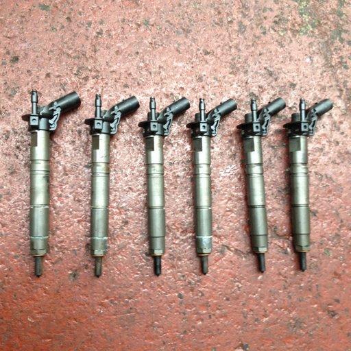 Set 6 injectoare Mercedes ml 320 CDI w164 motor 3000 6V A6420700587