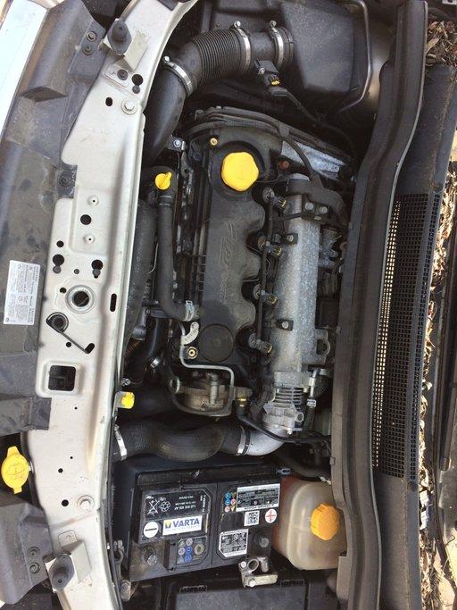 Set amortizoare fata Opel Zafira 2010 Hatchback 1.