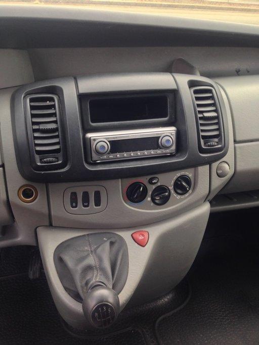 Sistem Audio CD Renault Trafic 2.5 2007 Diesel.