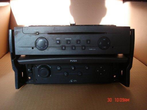 Sistem audio + navigatie Renault