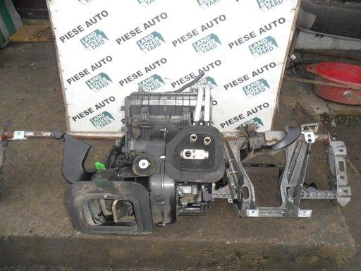 Sistem ventilatie de sub bord volan dreapta Land Rover Freelander 2 / 2.2 diesel
