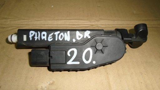 Spalator far dreapta VW Phaeton, 3D0955978B