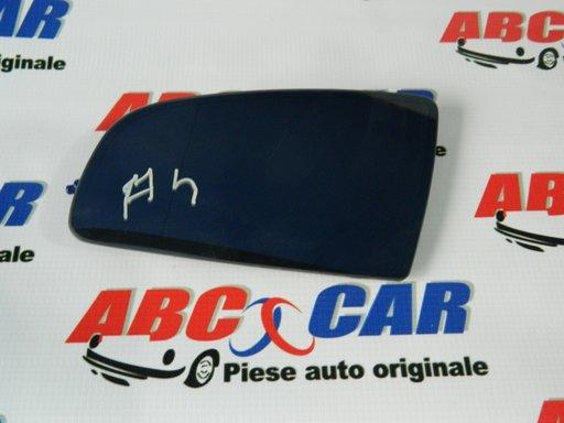 Sticla oglinda heliomata stanga Audi A4 B6 8E model 2000 - 2005