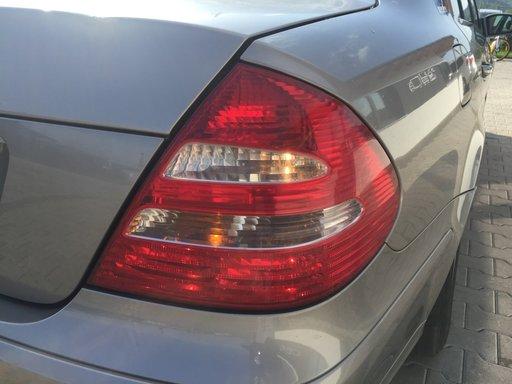 Stop dreapta spate Mercedes E-Class W211 2004 Sedan 2.2 CDI