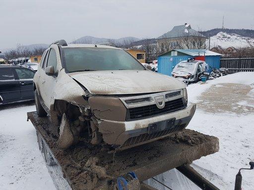 Stop/lampa spate Dacia DUSTER 1.5 dci 2011 tip motor k9k j8 110cp