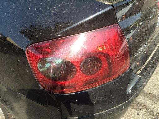 Stop Lampa stanga spate Peugeot 407 1.6 HDI 9HZ