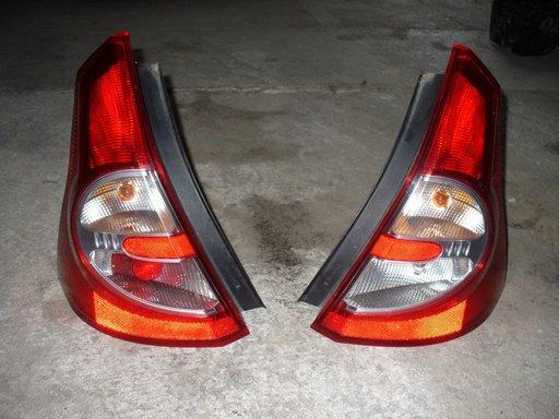 Stop stanga-dreapta Dacia Sandero, hatchback.