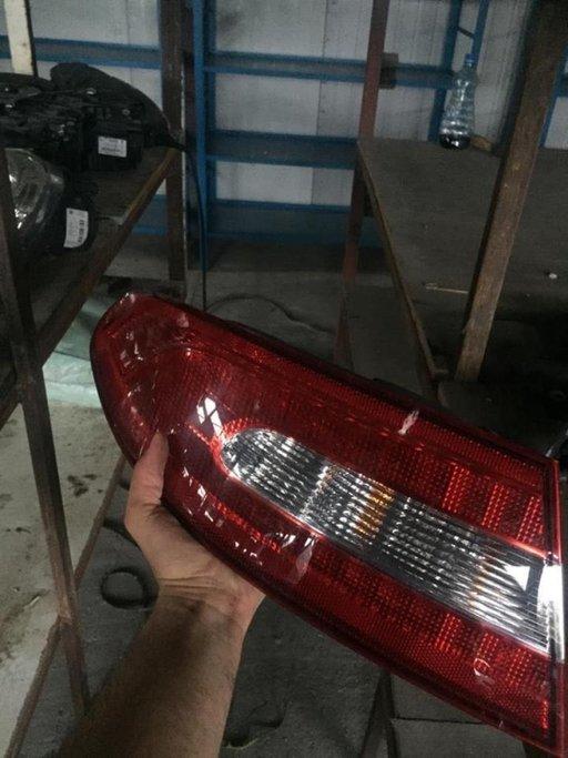 Stop stanga Jaguar XF X250 2012 8X2313405BD