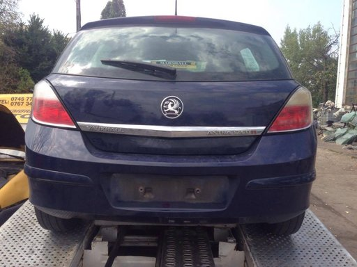 Stop stanga Opel Astra H hatchback