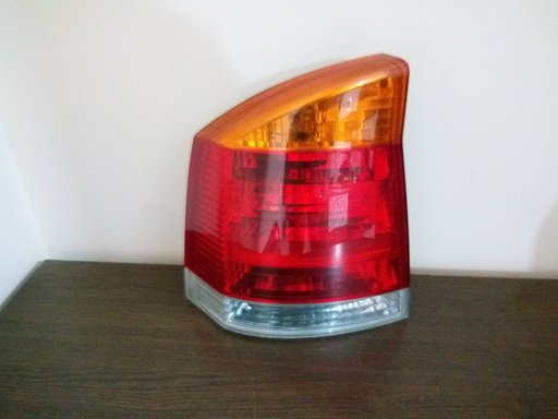Stop stanga Opel Vectra C cod 13130642