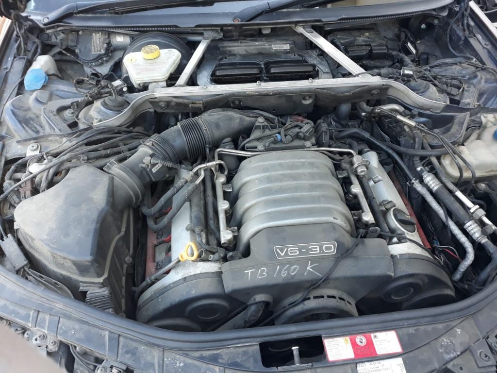 Stop stanga spate Audi A8 2004 berlina 3.0 benzina 220hp asn