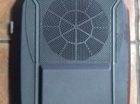 Subwoofer jeep cherokee 2005