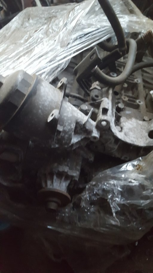 Suport filtru ulei + suport alternator BMW S3 2.0 benzina 2006