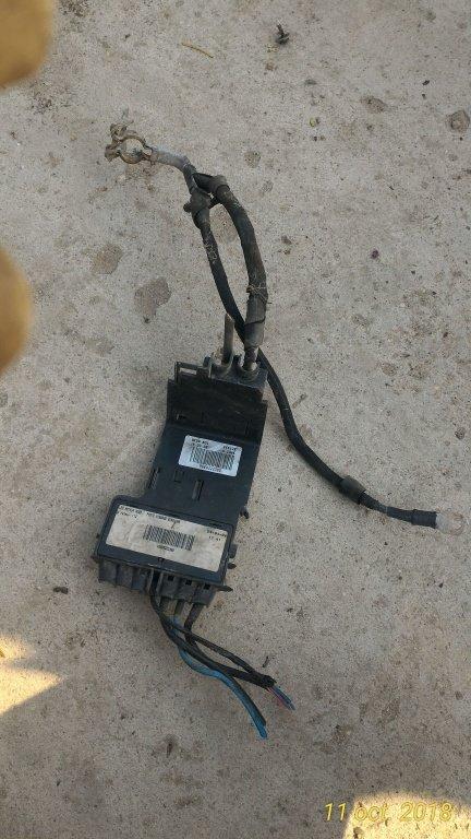 Tablou sigurante baterie Peugeot 308 , Citroen C4 cod : 9660222380