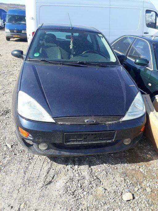 Trager Ford Focus 1999 hatchback 1800