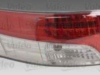 Tripla Lampa spate TOYOTA AVENSIS limuzina ZRT27 ADT27 VALEO 043957