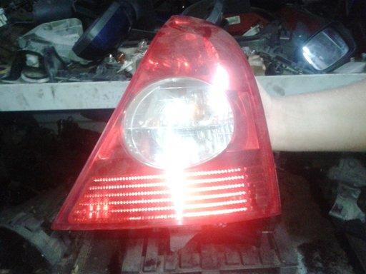 Tripla, stop dreapta Renault Clio 2 - hatchback
