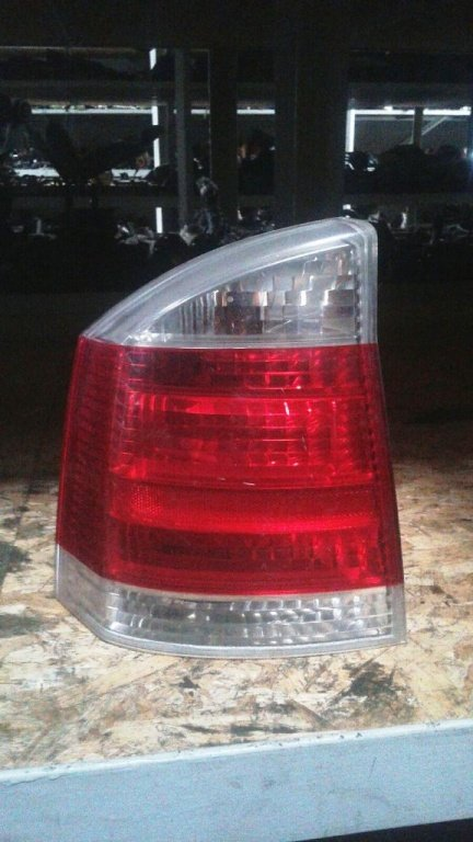 Tripla, stop stanga spate Opel Insignia - 2008 - hatchback