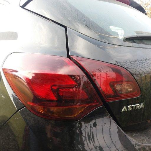 Triple Stopuri stanga dreapta Opel Astra J 2011