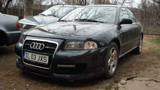 Usa fata, spate Audi A4 B5
