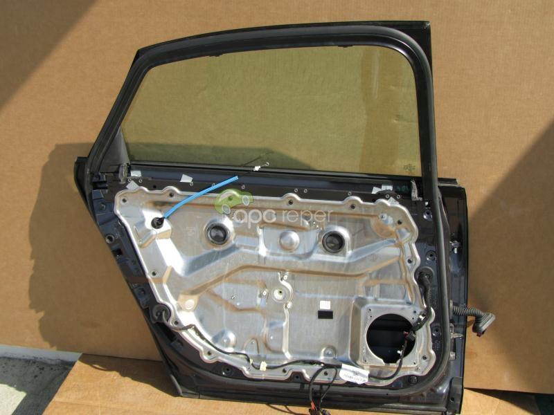 Usa spate stanga Audi A8 4E model Lung Lang