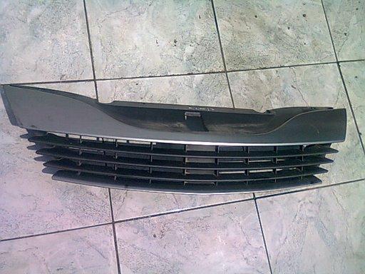 Vand grila radiator Renault Laguna