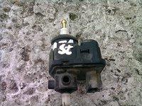 Vand motoras far stanga Kia Sportage