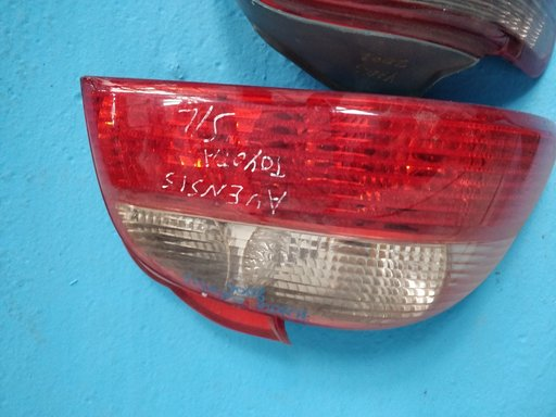 Vans stop stanga Toyota Avensis 2001