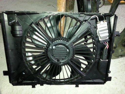 Ventilator Mercedes C klass W 204 C220 CDI A2045000393
